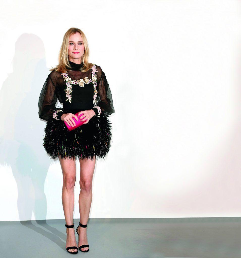 """FRANCIA CINE CANNES:CDA07. CAP D'ANTIBES (FRANCIA), 21/05/2015.- La actriz alemana Diane Kruger posa a su llegada a la gala """"Cinema Against AIDS"""" (""""Cine contra el VIH"""") hoy, jueves 21 de mayo de 2015, en el contexto de la 68∫ ediciÛn del Festival de Cannes, en el Hotel du Cap de Eden Roc, en Cap d'Antibes (Francia). EFE/IAN LANGSDON"""