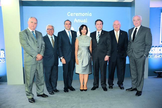 Marcelino Fernández, Luis López, Lawrence Hazoury, Mildred Minaya, Gustavo Ariza, Hipólito Herrera y Pedro Esteva
