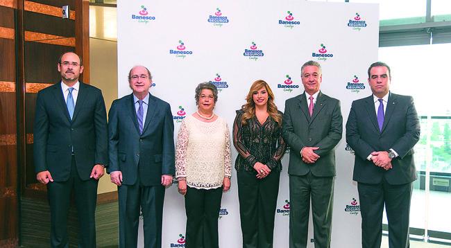 Roberto Despradel, Marco Antonio Fernández, Carmen Álvarez, Linda Valette, Ricardo Ayala y Elías Pablo