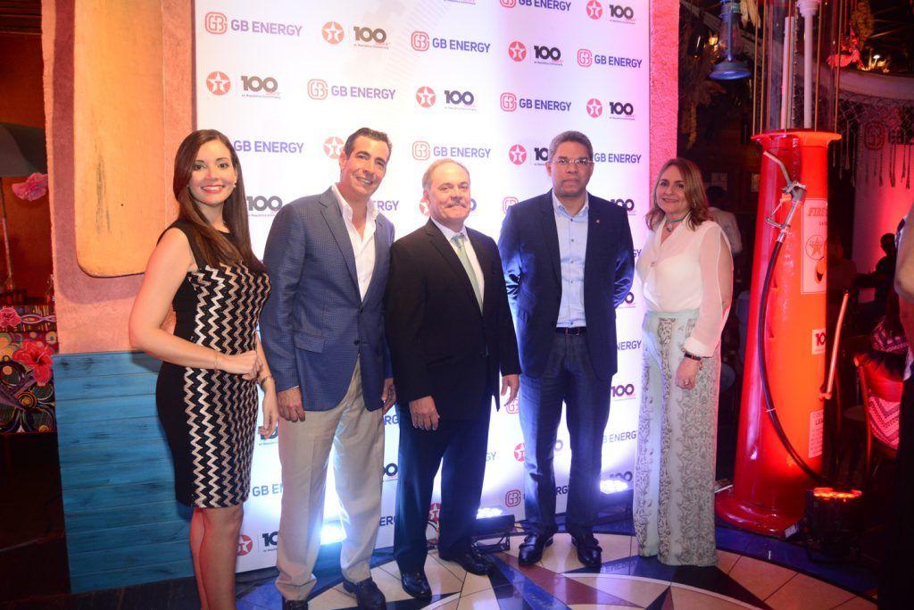 Walkiria Caamaño, Domingo Bermudez, Osvaldo Oller, Pablo Portes y Rosanna Grullón.