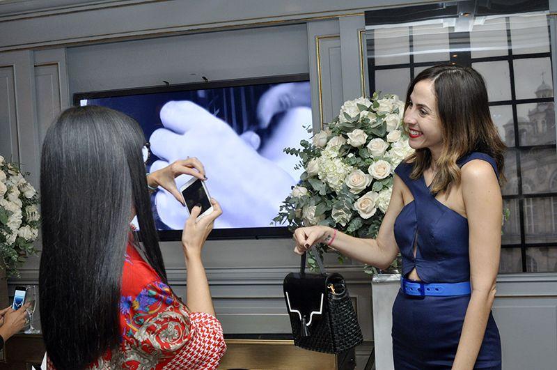 Yohanny García presenta a Teresa, su nueva cartera.