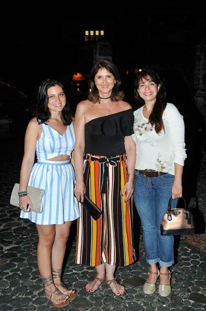 Paula Dominguez, Liz Dominguez y Yulisa Abud.