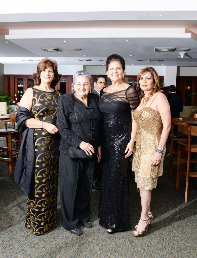 Sarah Villanueva de Read, Altagracia Sued de Villanueva, Sonia Villanueva de Brouwer y Marina Román.