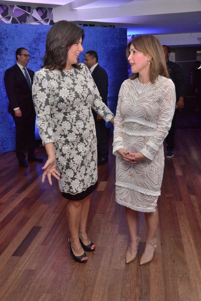 Ingrid Debers y Nelly Carías.