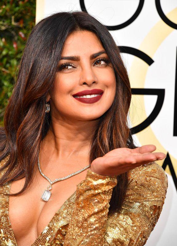 Priyanka-Chopra-Makeup-Hair-Golden-Globes-2017