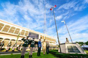 Celebración del Dia de la Bandera de la República Dominicana en las instalaciones del centenario periódico Listín Diario.