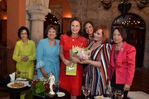 Carmenchu Brusiloff, Verónica Sención, Rosanna Rivera, Gema Hidalgo, Rommy Grullón E Ylonka Nacidit.
