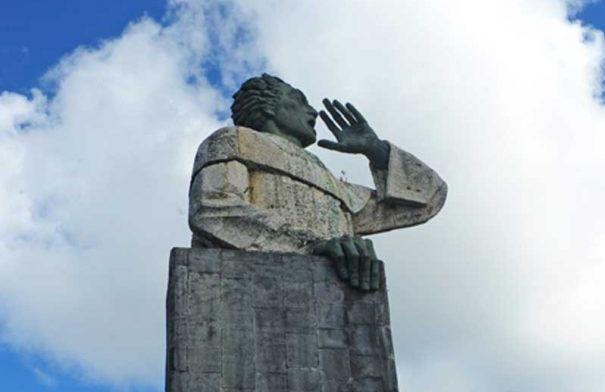 Monumento Fray Antón de Montesinos