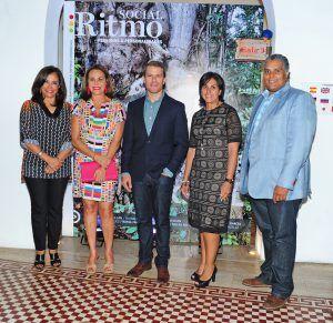 Principal Gema Hidalgo, Rosanna Rivera, Jake Kheel, Paola Cornielle y Cristobal Justiniano_
