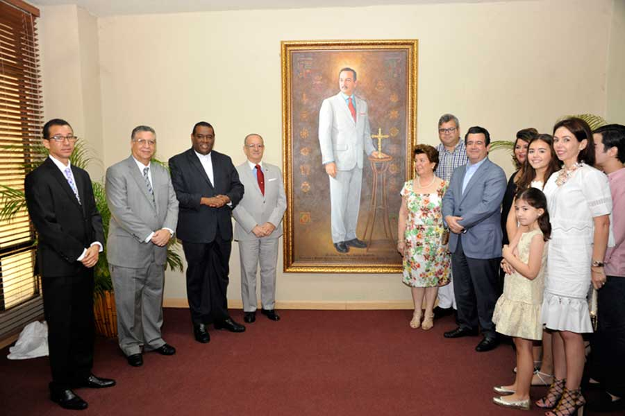 Develizan retrato de César Ivan Feris en Universidad Católica