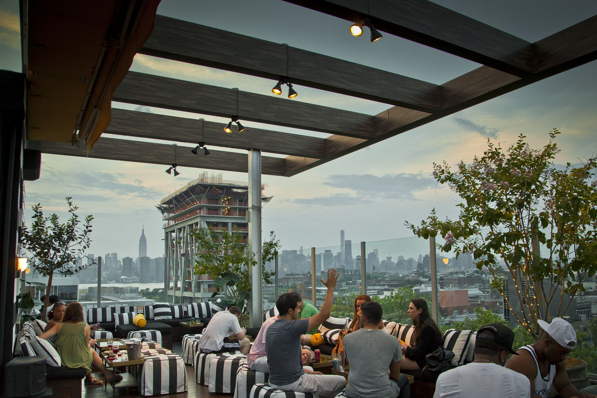 Gallow Green: El regio y moderno roof top de New York