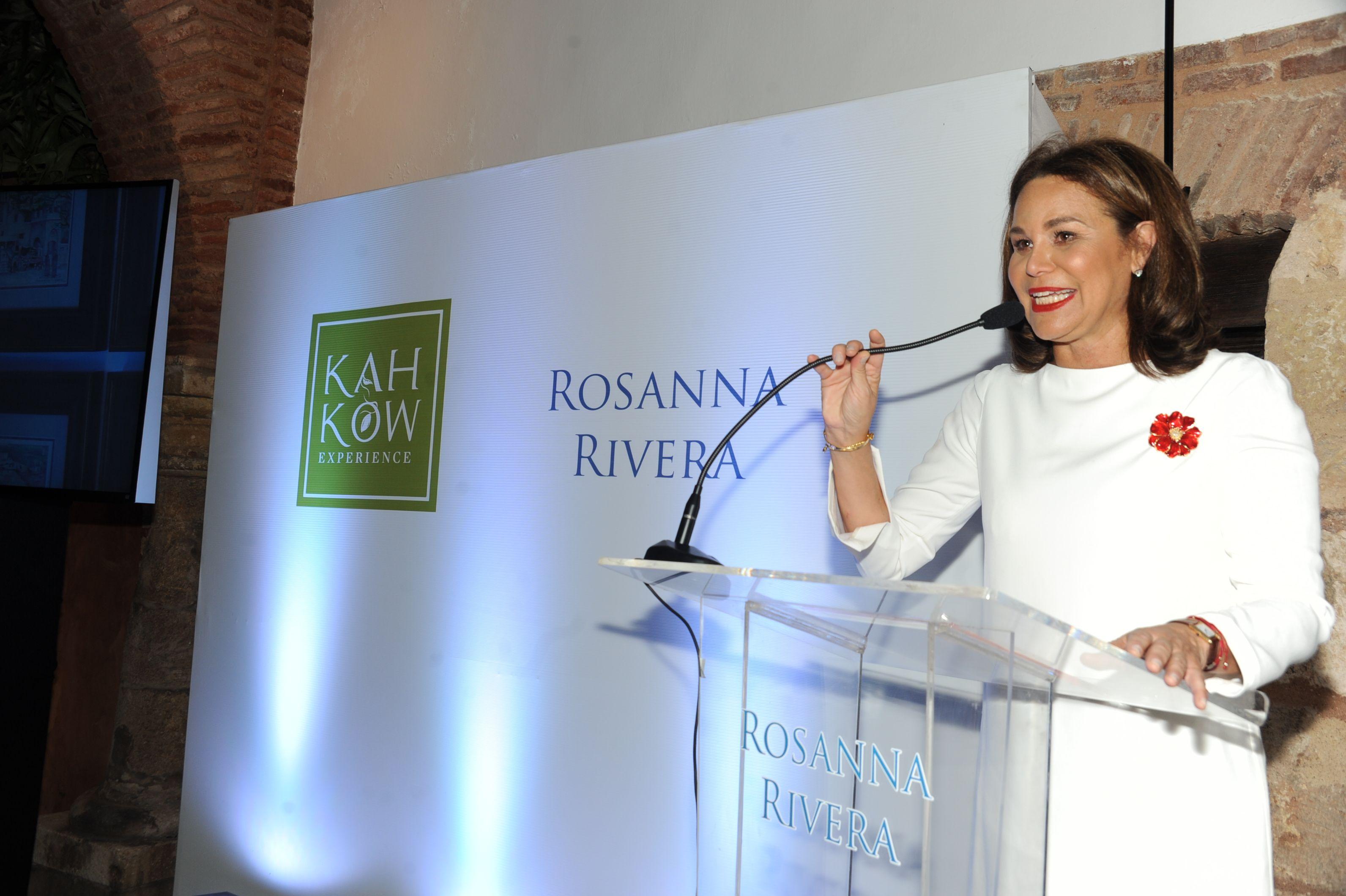"""Rosanna Rivera presenta su libro """"Un gatito en la Ciudad Colonial"""""""
