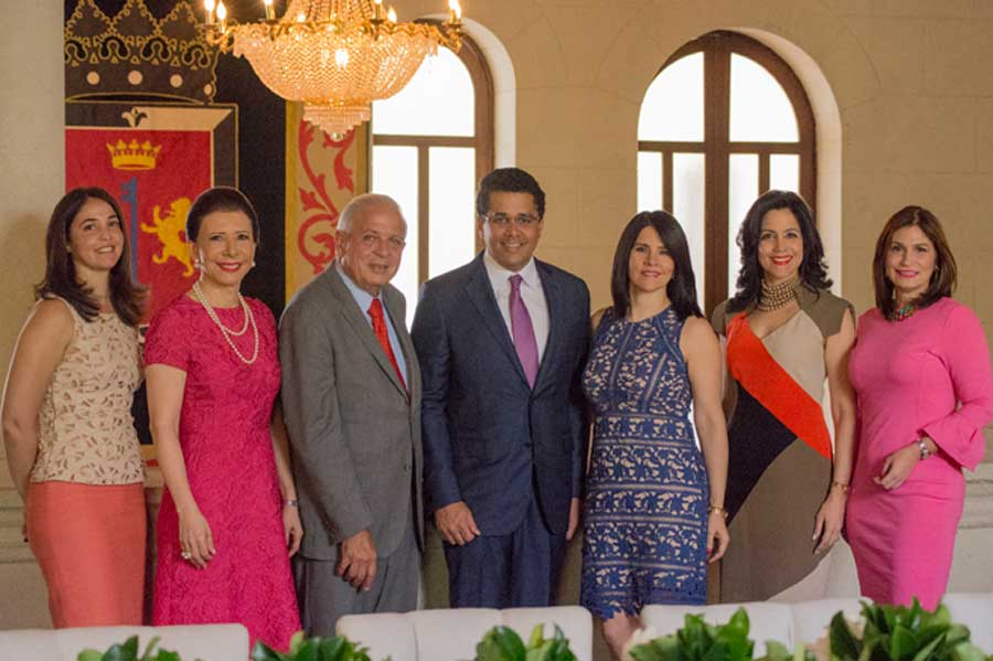 David Collado ofrece almuerzo a alcalde de Miami