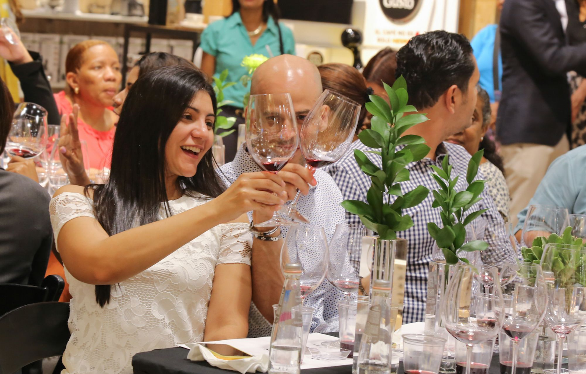 Riedel Glass realiza cata de vinos con la copa perfecta