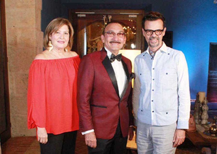 Arcadio Díaz exhibe su nueva colección Brisa Fresca