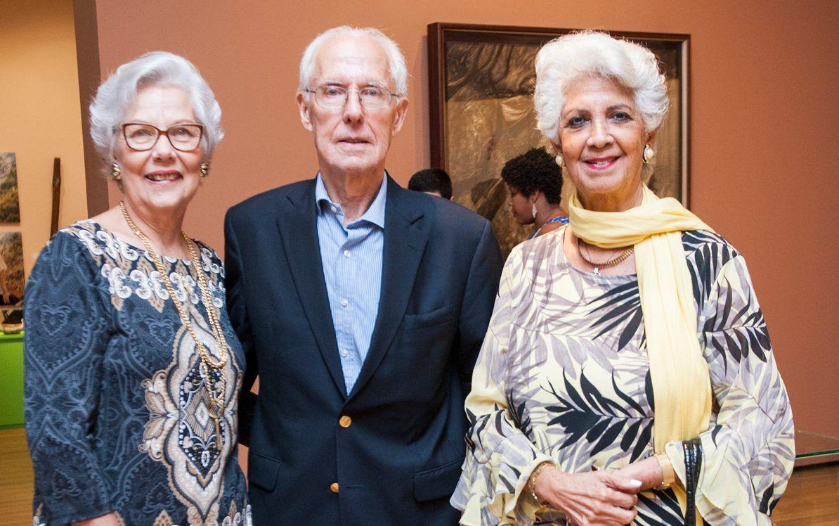 Presentan exposición de arte del Centro León