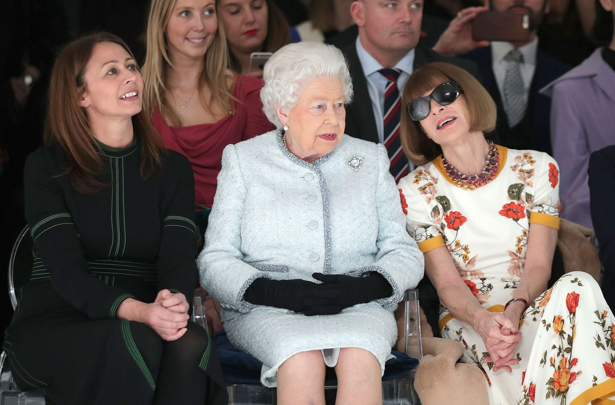 La Reina Isabel II en la semana de la moda de Londres