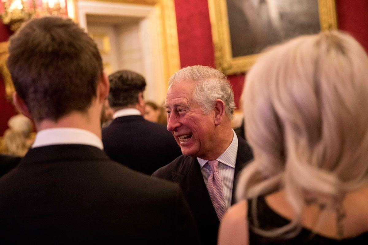 Una cena de L'oreal con el Príncipe Carlos a favor de la juventud