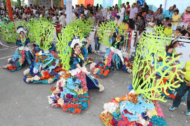 El colorido carnaval de Punta Cana