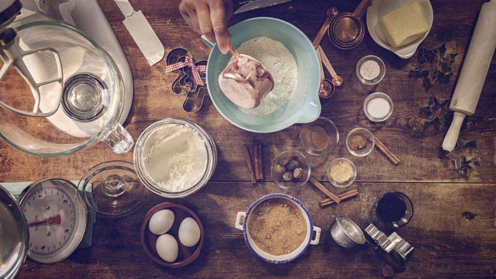 Ingredientes y utensilios de cocina