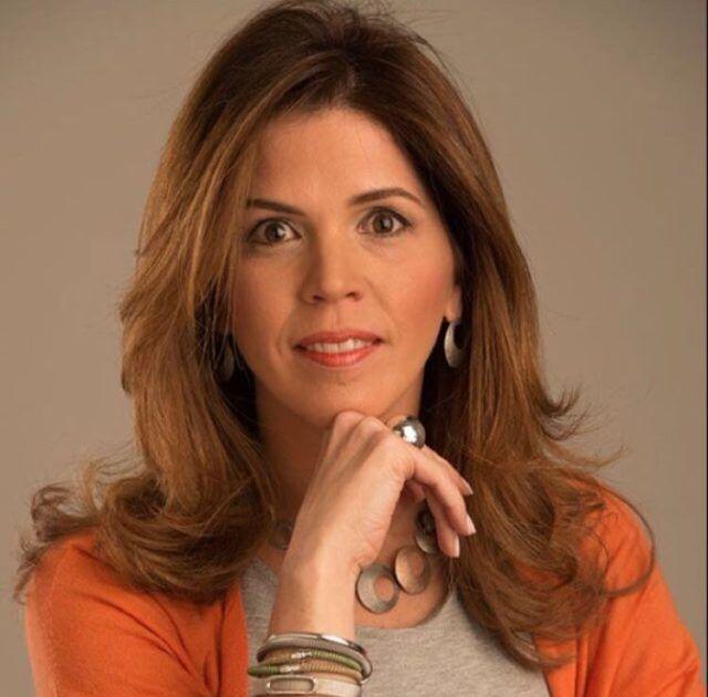 Stella León de Fernández